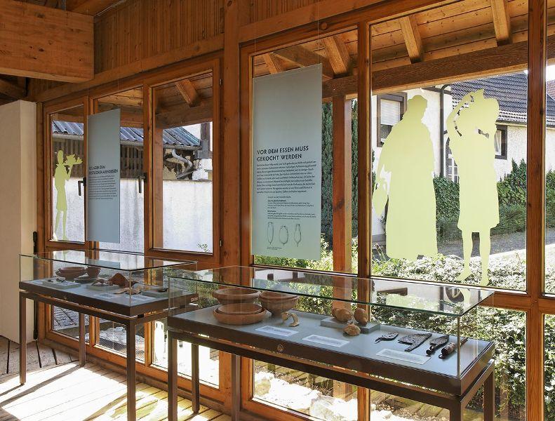 Vitrinen im Römermuseum