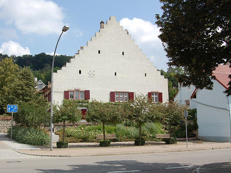 Zehnthaus von der Straße aus betrachtet