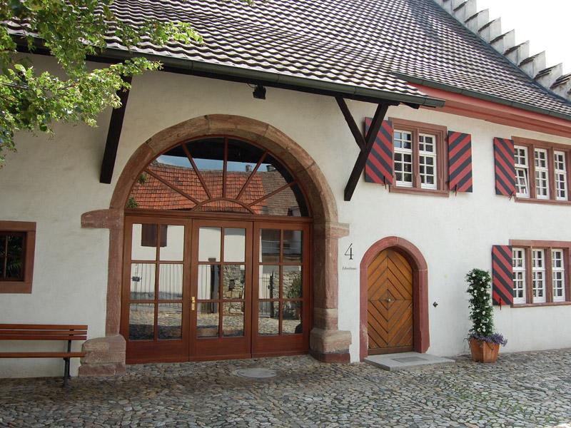 Eingang des Zehnthauses