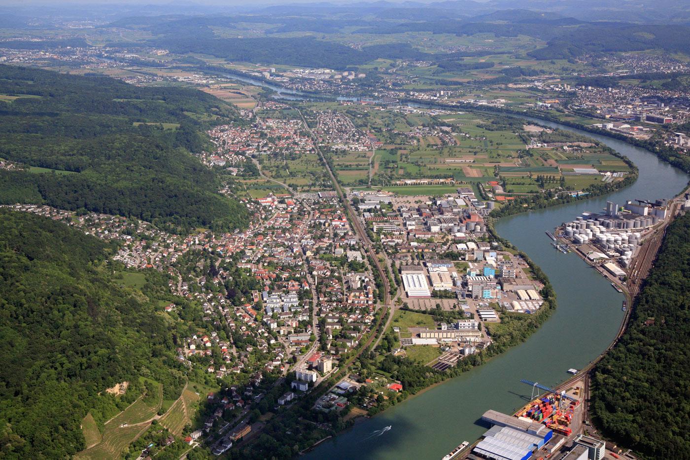 Luftbild von Basel aus über Grenzach