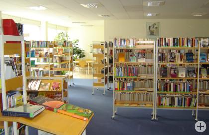 Große Buchauswahl in der Gemeindebücherei