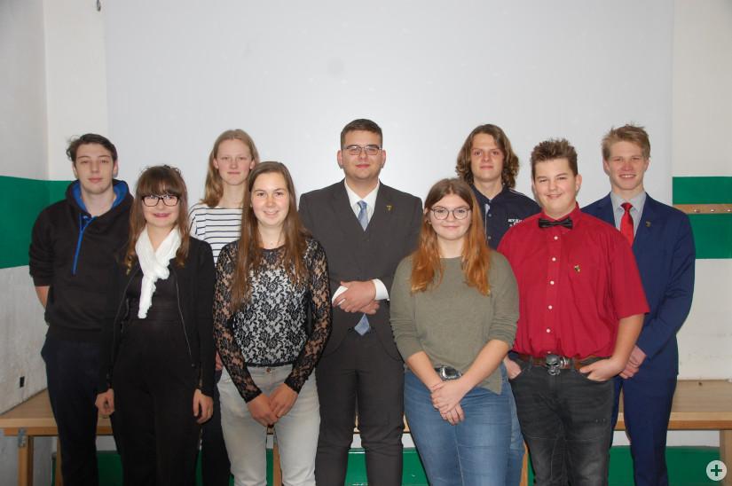 Von links nach rechts: Moritz Stiebeling, Alina Struckmeier, Charlotte Lindemann, Natascha Hohler, Elvis Bejtovic, Anna Kohler, Felix Hutschenreuter, Erek Sprissler und Yorick Weihs